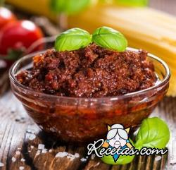 Pesto rojo con tomates secos y almendras
