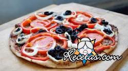 Pizza de atún y morrones