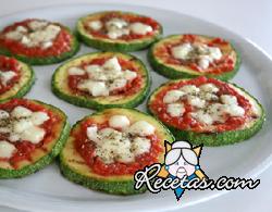 Pizzetas de calabacín con tomate y mozzarella