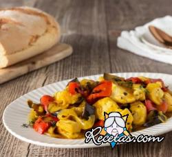 Pollo al azafrán con verduras grlladas