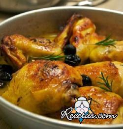 Pollo con naranjas y olivas