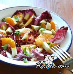 Radicchio rojo con peras y naranjas