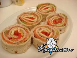 Rollitos con salmón ahumado