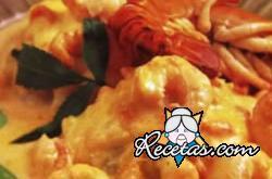 Rosca de merluza y camarones