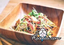 Salmón rosado con vegetales al wok