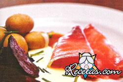 Salmón con remolachas glaceadas