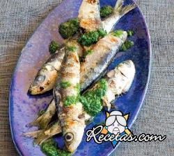 Sardinas a la plancha con salsa de rúcula