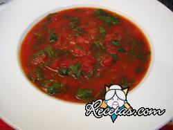 Sopa crema de tomates y espinacas