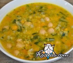 Sopa de calabaza, garbanzos y remolacha
