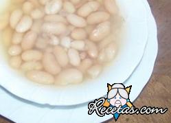Sopa de coco y frijoles