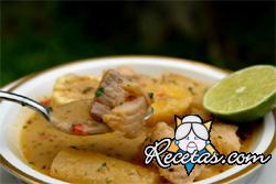 Sopa de pescado en blanco