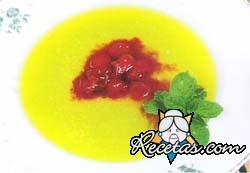 Sopa de melón y guindas