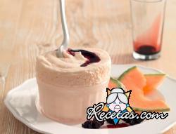 Soufflé helado de melón con salsa de Oporto