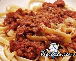 Spaghetti con carne picada