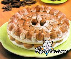 Tarta de merengue con dulce de leche y chocolate