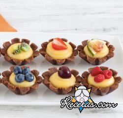 Tartaletas de chocolate con frutas