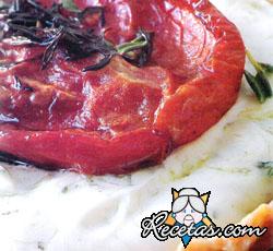 Tartines de tomates confitados