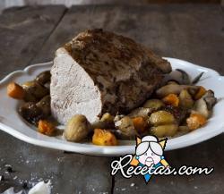Ternera asada con setas, castañas y calabaza crocante