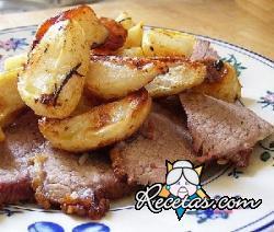 Ternera perfumada al horno con patatas