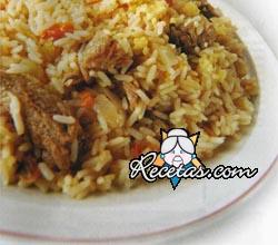 Guiso de carne con vegetales y arroz