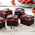 Brownies de chocolate y fresas