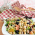 Ensalada de garbanzos con atún y verduras
