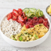Poké bowl de atún y aguacate